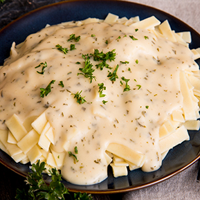 Traditional Fettuccine Alfredo